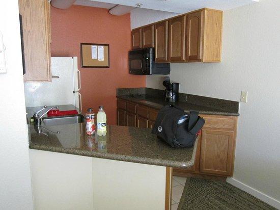 Staybridge Suites Dulles: Kitchen