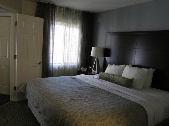 Staybridge Suites Dulles: Bedroom