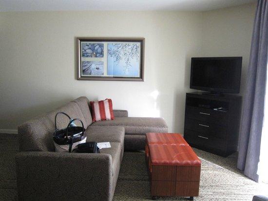 Staybridge Suites Dulles: Living Room