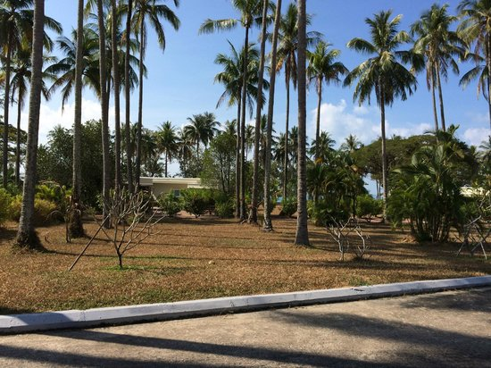 Sokha Beach Resort: Dry and crunchy in a tropical resort