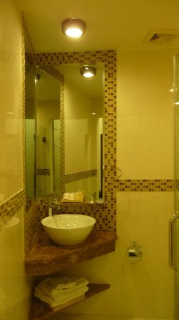 VaiA Boutique Hotel: Bathroom