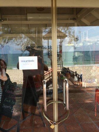 Sokha Beach Resort: Sea Cambodia closed here but open in town