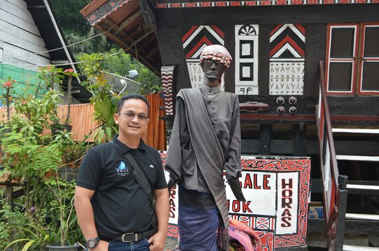 Lake Toba: Sigale-gale sculpture