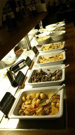 Radhuskallaren : Salad buffet