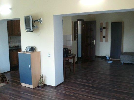 Robinzon Guest House: 4