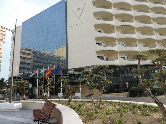 Hotel Playa Victoria: Hotel's facade