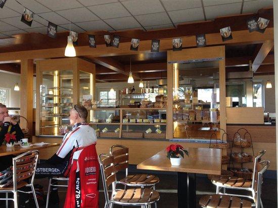 Hoenderloo, Нидерланды: Bakkerij en lunchroom