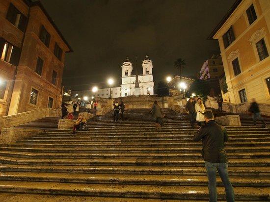 Place d'Espagne (Piazza di Spagna) : 夜のスペイン階段