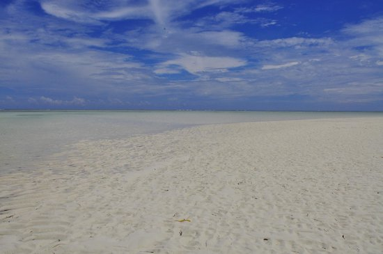 Neptune Pwani Beach Resort & Spa: one moment without people, only the beautiful nature