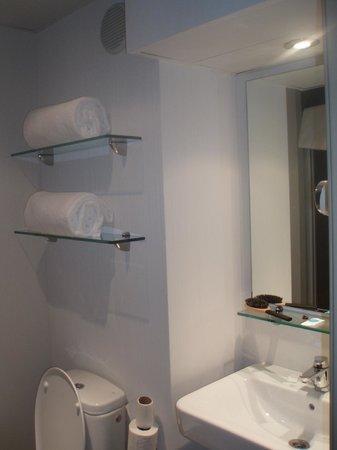 Vertice Roomspace: Baño