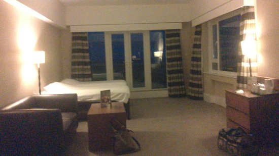 Premier Inn Bournemouth Central Hotel: the massive twin room top floor with sea views!