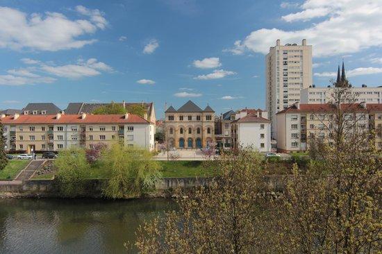 Ibis Metz Centre Cathedrale : Вид из номера.