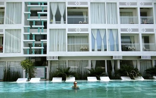 Thaiyang Chhen Hotel: Fantastic Pool