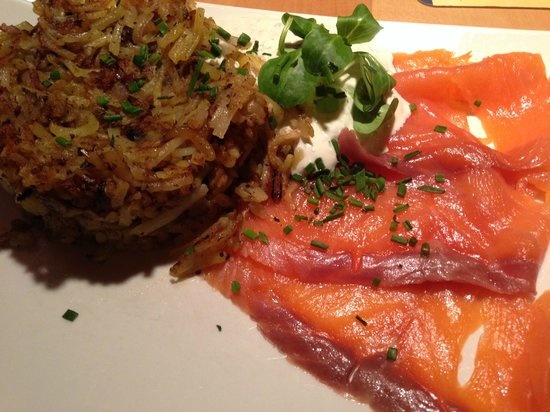 Krahvogel: Rosti with Smoked Salmon