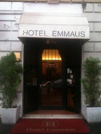 Emmaus: entrata dell ' Hotel
