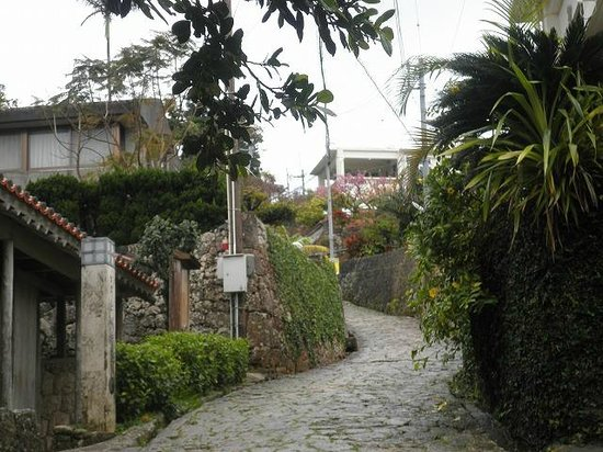 Shrikinjocho Stone-Path Road: 金城町石畳