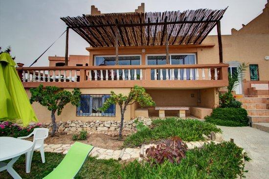 Villa Taghazout Bay - La Clé des Agadirs : Façade côté Jardin et mer