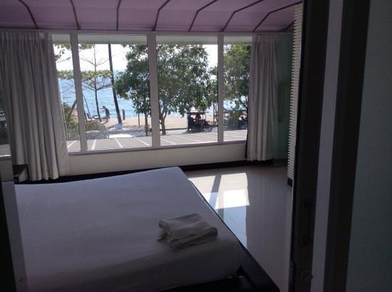 The L Resort Krabi : bedroom 71 view