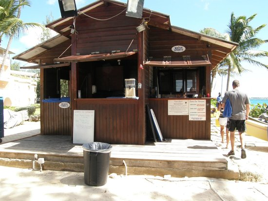 Turtle Beach by Elegant Hotels : Captain Sams Beach Bar