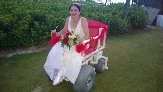 Turtle Beach by Elegant Hotels : Wedding Chariot loaned from Captain Sam..