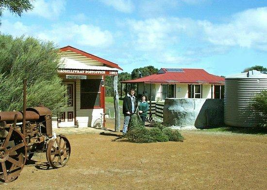 Emu Ridge Eucalyptus Oil Distillery: The original shop and workshop