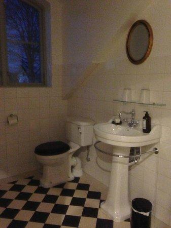 Runnvikens Pensionat: Ett av badrummen