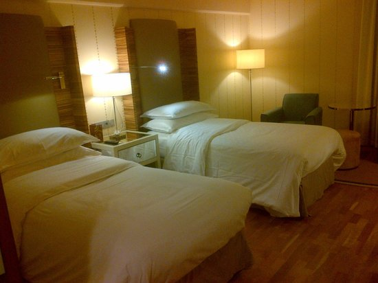 Sheraton Stockholm Hotel: Two single beds