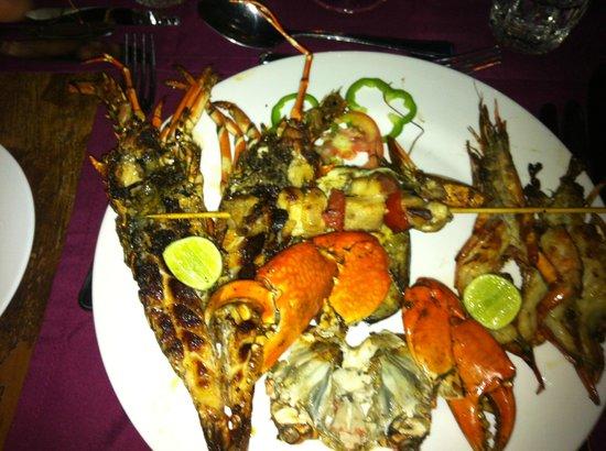 Jacaranda Beach Resort: cena in spaiggia
