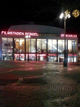 Scandic Klara: Hötorgshallen rett bortom hotellet