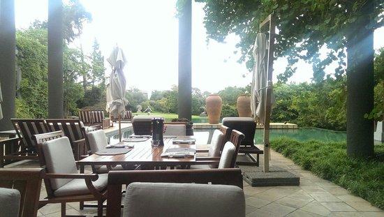 Saxon Hotel, Villas and Spa: Restaurant / pool area.