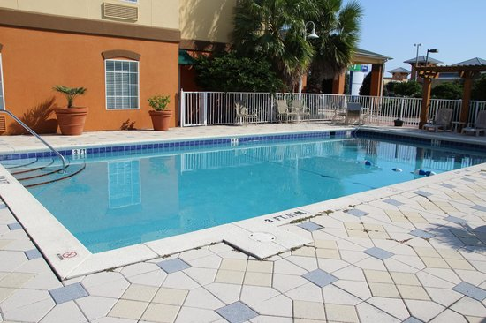 Holiday Inn Express Destin E - Commons Mall Area: Pool