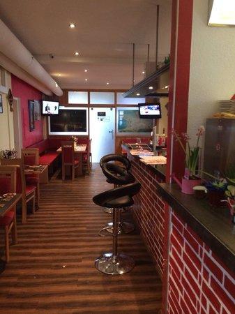 Cafe Restaurant Varoli: VAROLI