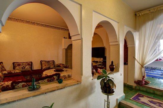 Villa Taghazout Bay - La Clé des Agadirs : Salon TV