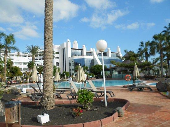 H10 Timanfaya Palace: Pool area