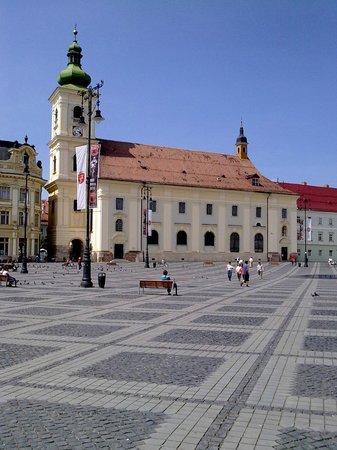 Grand-Place (Piata Mare) : Catedral Ortodoxa