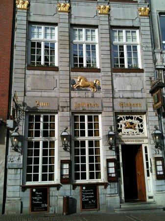 Zum goldenen Einhorn: restaurant extérieur