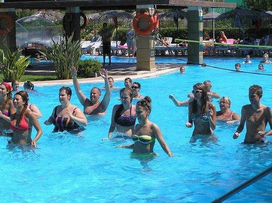 Oceanis Hotel: аквааэробика