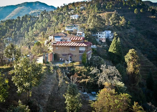 Neemrana's - Ramgarh Bungalows: cliff house from distance