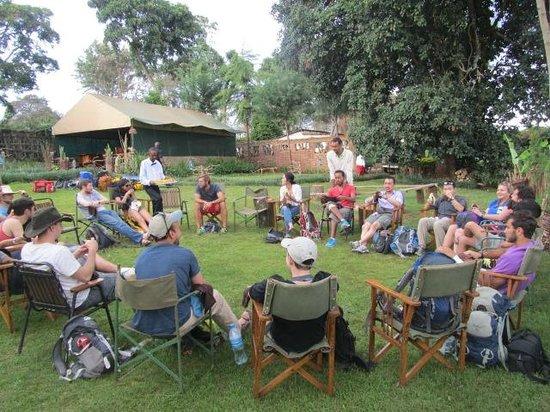 Tanzania Ric Lodge : common relaxing bone fire area