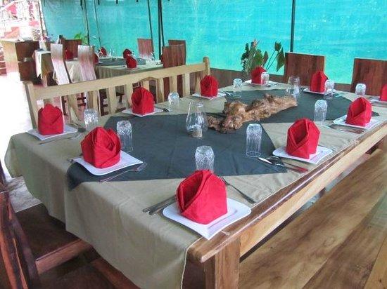 Tanzania Ric Lodge : dinning table