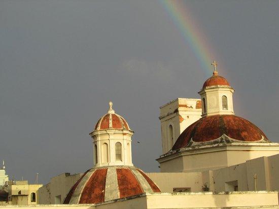 Hotel El Convento: Vista da Janela dentro do Quarto