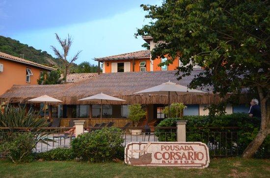 Pousada Corsário: Vista da área da piscina da Pousada.