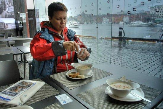 Fish Market : это был самый вкусный в мире рыбный бергенсий суп.
