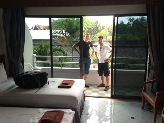 Patong Pearl Resortel : Very nice clean hotel ...special thanks to the receptionist  Nattanit  she was so helpful