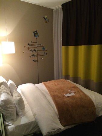 25hours Hotel Zurich West: Room