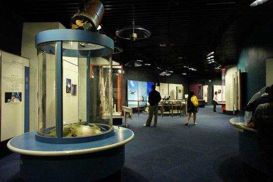 Hong Kong Space Museum: Along the permanent exhibit.