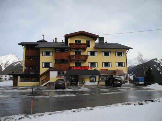 Hotel-Restaurant Humlerhof : Ansicht von der Straße