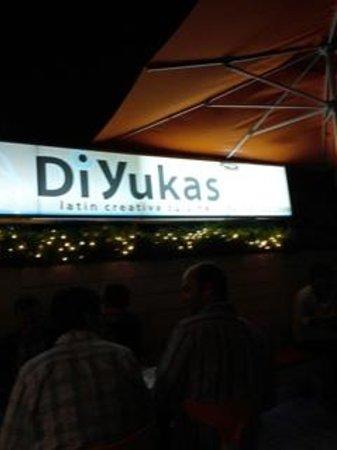 Di Yukas: Welcome Sign