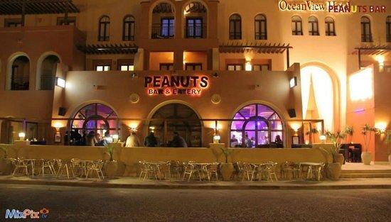 Peanuts Bar