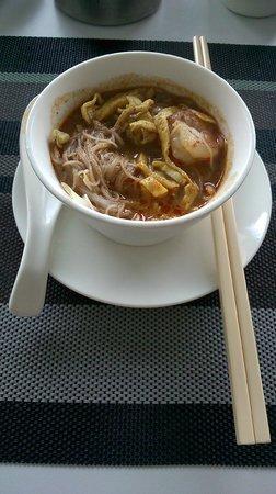 Pullman Kuching : Buffet breakfast - Sarawak laksa